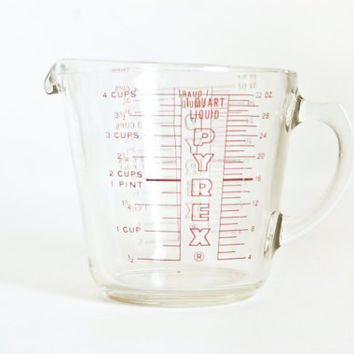 Vintage Pyrex 4 Cup Measuring Cup, 32 ounce 1 QT Glass Pour Spout Cup with Handle, Red Print Text, Made in USA