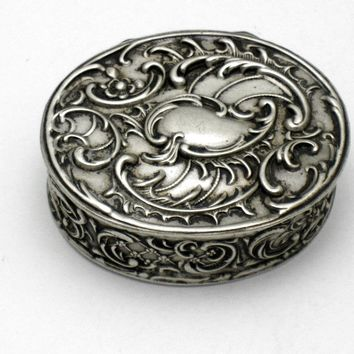 Antique Sterling  HANAU Germany  Gebruder Dingeldein Vanity Snuff Pill Silver Box
