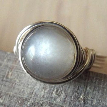Grey Moonstone Ring, Moonstone Jewelry, Wire Wrapped Ring, Silver Moonstone Ring, Easter Gift, Gift for Mom, Gift for Sister, Gray Stone