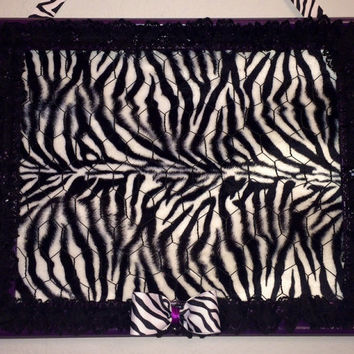 Jewelry hair accessory storage photo organizer holder board Zebra purple bulletin memo framed chicken wire fabric embellishments black wall