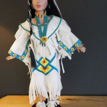 Beautiful Avon Native American Doll Collectible Porcelain Circa 2001 Used