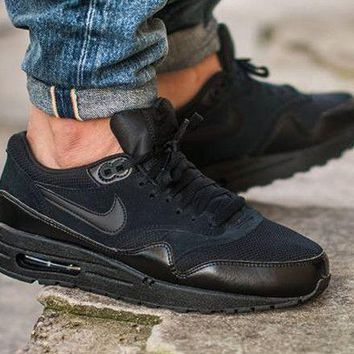Nike Air Max 1 Essential Triple Black