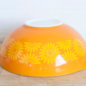 Pyrex Daisy Pattern Large Mixing Bowl, Bright Yellow Orange Flower Print Batter Bowl, 1960s