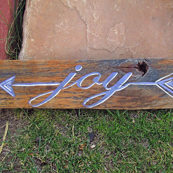 Pallet Wood Signs Sayings, Rustic Wood Sign Arrow Wall Decor, Joy Quote