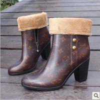 2017 new wellies women bot middle tube rain boots with high heel female fashionable galoshes rainboots women regenstiefel