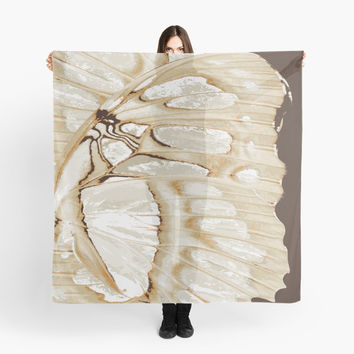 'CLASSIC ONE – Wing Series' Scarf by M-ohlala