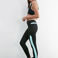 Side-Pocket Performance Leggings