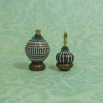 Dollhouse Miniature Pair of Fancy Bronze & White Bottles