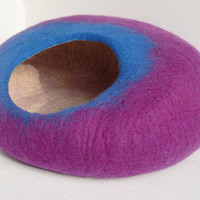 Cat Bed/ Cat Cave/ Cat House/ Handmade Felted Wool Cat cocoon - made to order
