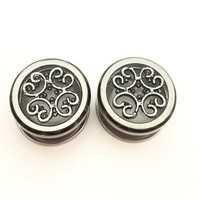 Filigree Plugs / 00g, 7/16, 1/2, 9/16, 5/8, 11/16, 3/4 inch / metal / filigree jewelry / screw on plugs / see through gauges / resin jewelry