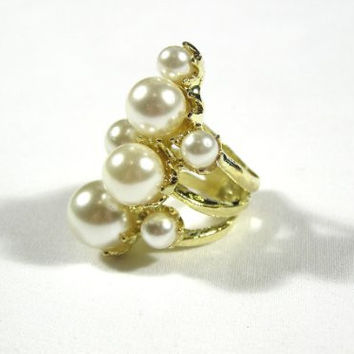 Bubble Cluster Cocktail Ring Size 5.5 Faux Pearls Gold Tone RB35 Mermaid Gem Fashion Jewelry
