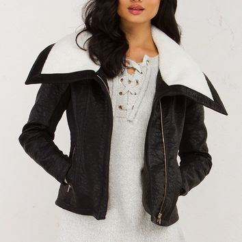 Shearling Collar Leather Jacket in Black