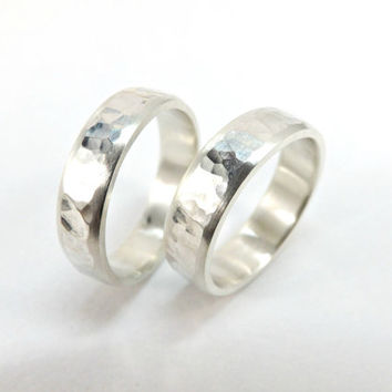 rustic wedding rings two silver rings hammered wedding rings polished sides domed ring band 5mm wide handmade ring set