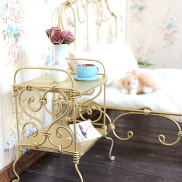 1/6 scale Metal Bedside Table/ Nightstand for dolls(Blythe, Barbie, Momoko, Bratz).