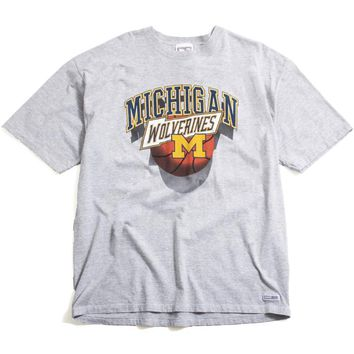 University of Michigan Wolverines Basketball Crable T-Shirt Heather Grey (XL)