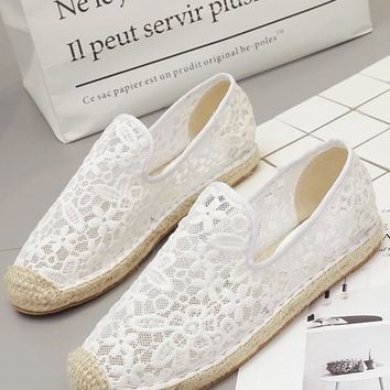 White Lace Round Toe Casual Flat Shoes