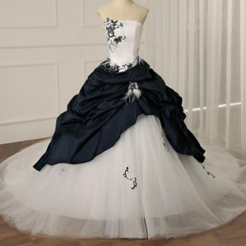 Gorgeous A-line Cathedral Train Wedding Dress Sequin Beading Embroidery Lace Wedding dresses Feathers Train