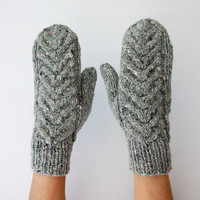 Mittens with Staghorn cable Pattern by HappyLaika on Etsy