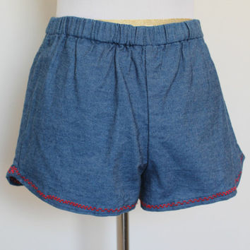 Vintage 1970'S Denim Shorts// '70s Hot Pants// Navy Blue Red Trim Short Shorts// Size XS Small Elastic Waist// '70s Short Shorts// Hot Pants