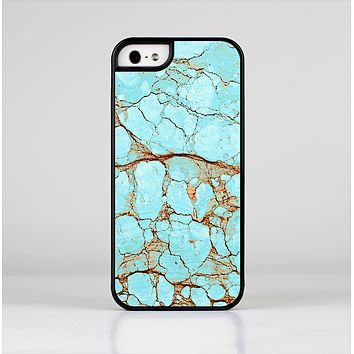 The Cracked Teal Stone Skin-Sert for the Apple iPhone 5-5s Skin-Sert Case