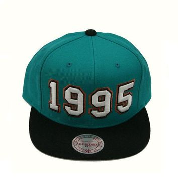 ONETOW Vancouver Grizzlies 1995 Expansion Snapback Hat