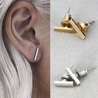 Di Cute Bar Earring Stud