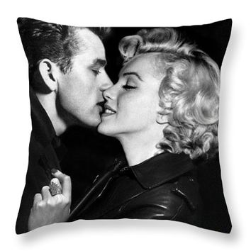 Marilyn Monroe And James Dean Kiss Iphone 6 Plus Cover Case 2014 Throw Pillow