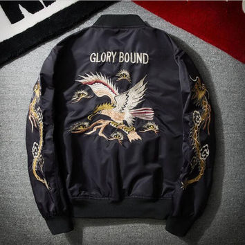 Free Shipping 2017 New Men's Fashion Embroidery Jacket Flying Bomber Jacket Jacket Wrinkle Jacket