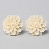 The Flower Studs in White