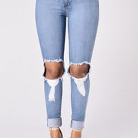 Rugged Beauty Jeans - Medium Blue