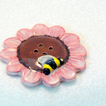 Ceramic Pink Flower with Bee Button by GrapeVineCeramicsGft