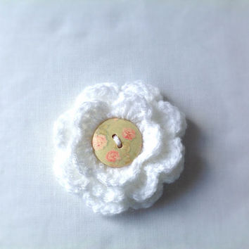 Handmade crocheted flower brooch - White