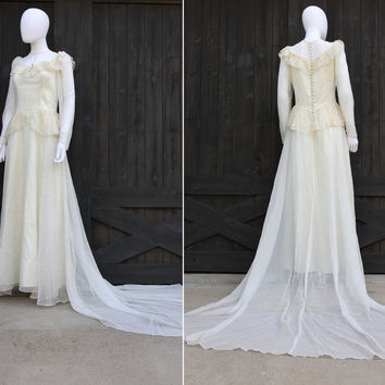 Vintage 1940s Ivory Satin & Lace Peplum Bomshell Wedding Dress Gown
