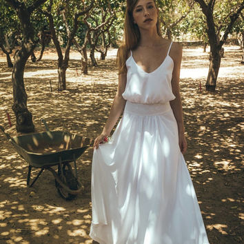 Maxi wedding dress, Victorian wedding dress, Boho wedding gown, Simple wedding dress for the beach, Reception wedding dress, lilium leaves