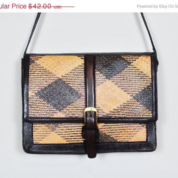 30% OFF SALE brown caramel basket weave leather oversized crossbody messenger purse shoulderbag boho indie preppy vintage 1980s