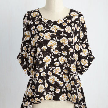 Conversation Group Floral Top | Mod Retro Vintage Short Sleeve Shirts | ModCloth.com