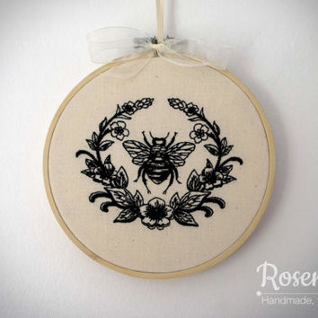 "Embroidered Bumble Bee with Laurel 5"" Embroidery Hoop"