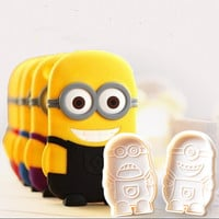 2 Pcs/set  Minions Cookie Cutter Mold Biscuit Cake Decorating Tools