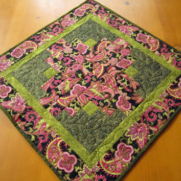 Table Topper Paisley Pink and Black Quilted Patchwork Home Decor Housewares Log Cabin