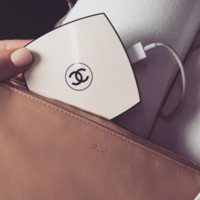 Compact Portable Phone Charger (Nude)