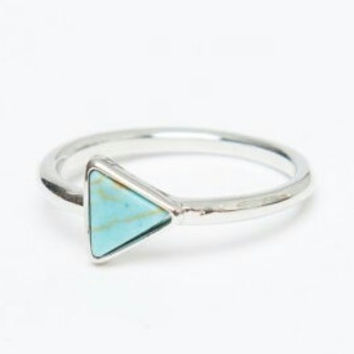 Simple  Triangle Turquoise Stone Ring in silver, modern, delicate,  stacking ring, everyday ring, chic, knuckle ring