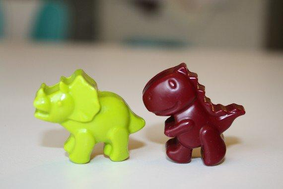 15 set of 4 Dino crayons  assorted colors  by poshpapercreations