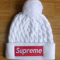 Supreme : fashion men's and women's knitted cap
