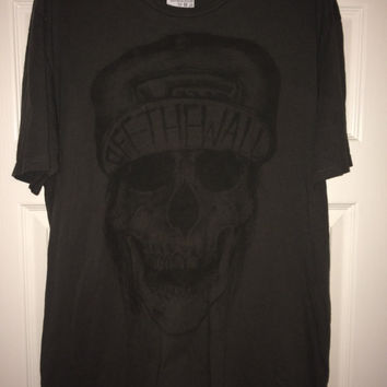 Sale!! Vintage VANS off the wall skull T shirt steet wear tee