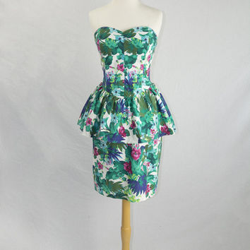 Vintage 1980s Floral Peplum Dress Strapless Sweetheart Bodice Pin-up
