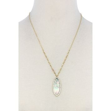 Fashion oval pearl necklace