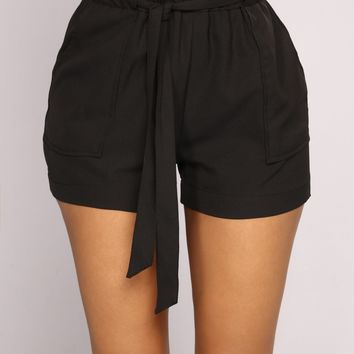 Out For The Day Linen Shorts - Black