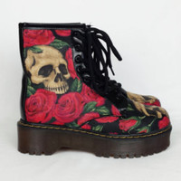 Skull boots, gothic shoes, black and red bling shoes, skull and roses boots, women shoes, alternative, rockabilly, goth, punk, boho boots