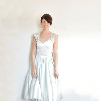 pastel mint circus carnival dress . Gunne Sax ruffle party gown .small