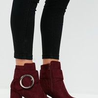 Missguided - Red Circle Buckle Ankle Boots